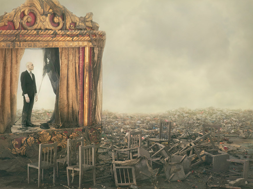 Soliloquy © 2015 Robert and Shana ParkeHarrison, courtesy of Catherine Edelman Gallery