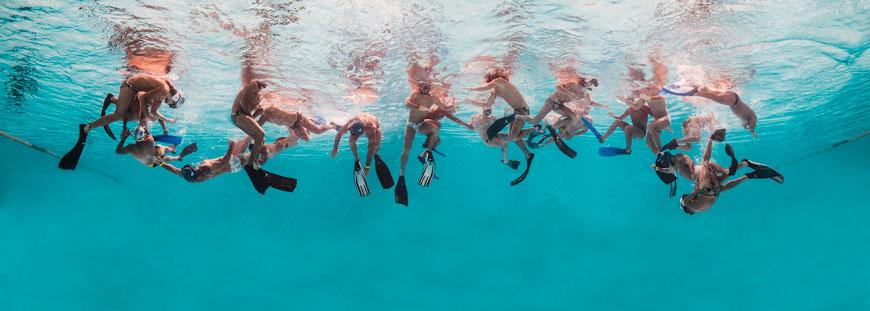 Rugby subacuático I © Mario Arroyave. Cortesía Beatriz Esguerra Art, Bogotá