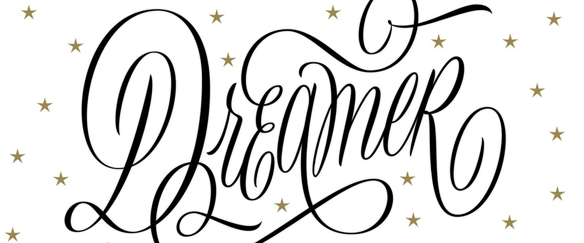 Martina Flor created this word in 30 minutes using Adobe Illustrator CC. She began with a hand-drawn sketch for reference.